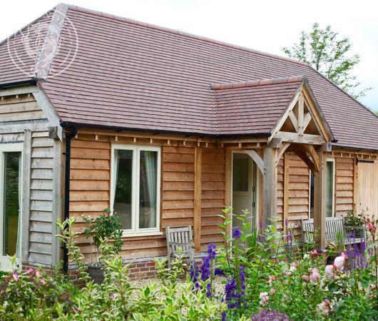 Oak framed lodges by Radnor Oak