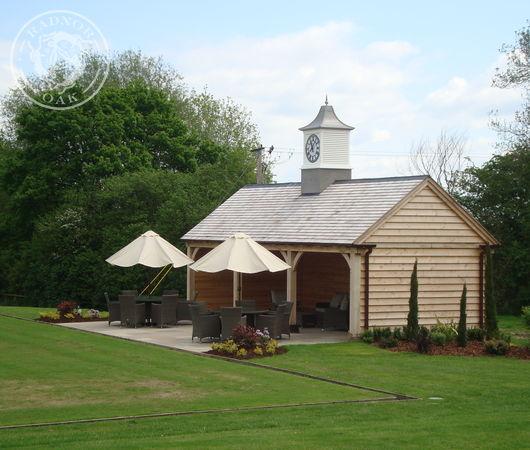 A new oak framed pavilion for a bowls club by Radnor Oak.