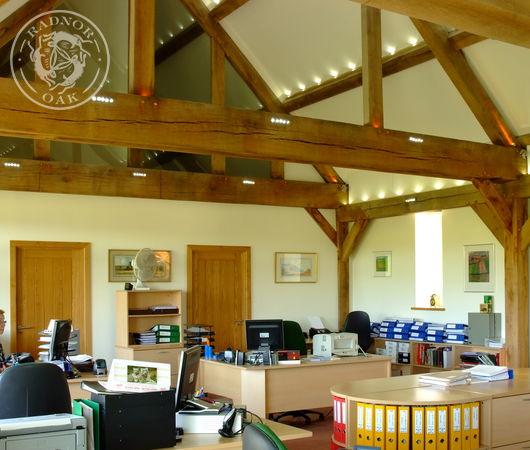 Spacious rooms with oak beams by Radnor oak.