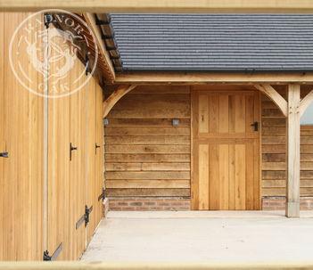 Bespoke Stable Block | Stable Door | Radnor Oak