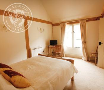 Oak Annexe | Garden Office | Interior | Accommodation | Air B&B | Radnor Oak