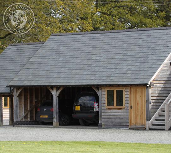 A classic Radnor oak garage with 3 bays
