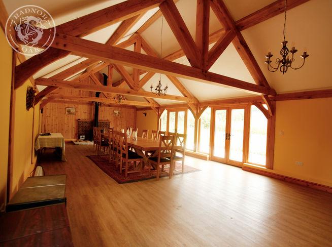 oak frame interior oak truss
