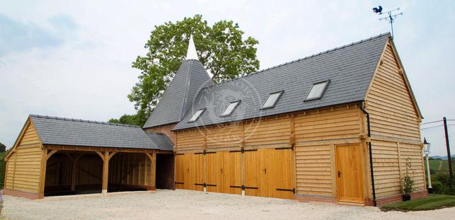 Oak Framed Garage with Room Above | Velux Windows in Roof | Radnor Oak