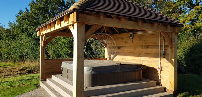 Medium Oak framed Gazebo | Model No. PM001 | Radnor Oak | Outdoor Entertaining