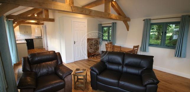 Oak Framed Annexe | Kitchen & Living Room | Radnor Oak