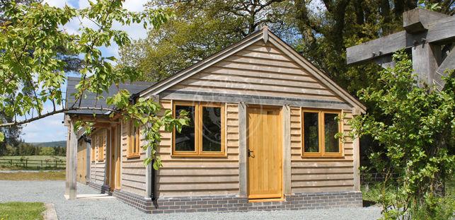 Tradional Garden Annexe with a Porch   Oak Frame Granny Annexe   Radnor Oak
