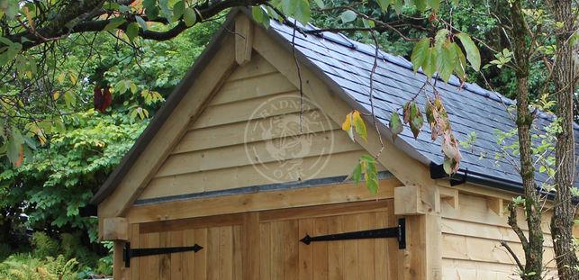 single bay oak framed garage with double doors | Stapleton | Radnor Oak