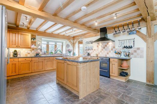 Garden Cottage   Accommodation   Interior   Norton   Radnor Oak