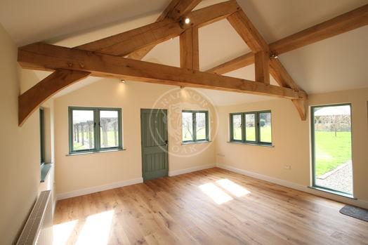 Oak Framed Annexe | Open Plan Living Area | Showsite Annexe | Radnor Oak