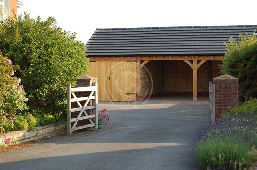 Byton Low Ridge | 3 Bay Oak Framed Garage | Oak Double Garage Doors | Radnor Oak