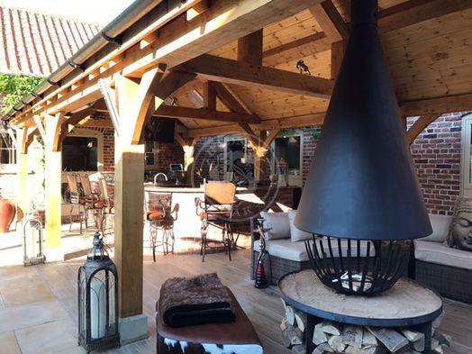 Oak Framed Pavilion | Outdoor Kitchen Bar Entertaining | Radnor Oak