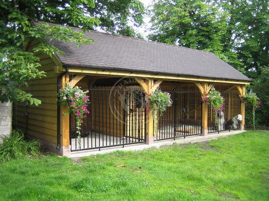 Bespoke Stapleton   Dog Kennel   Traditional Oak Frame   Radnor Oak