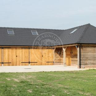 L Shaped Oak Framed Garage | Byton High Ridge | Radnor Oak
